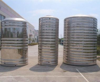 贵惠大道旁——不锈钢圆柱水箱